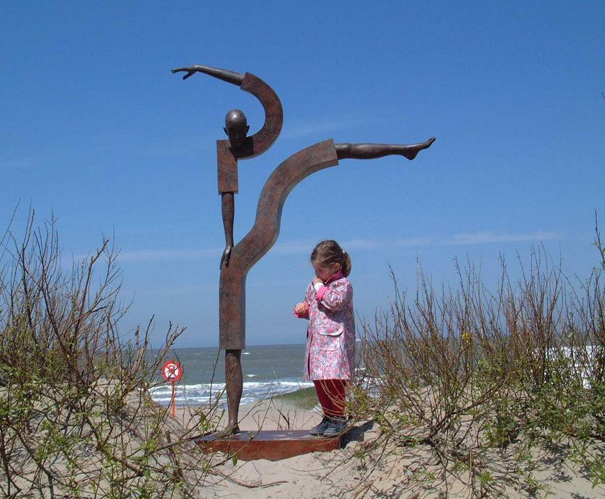 Corby - sculpture - Balance II - © Casart