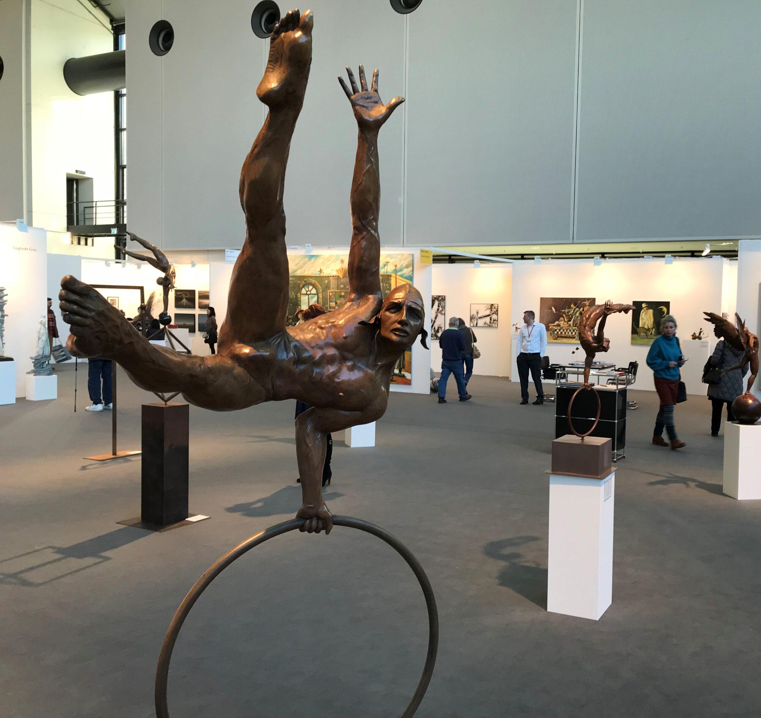 Jorge Marin - sculpture - gimnasta - © Casart