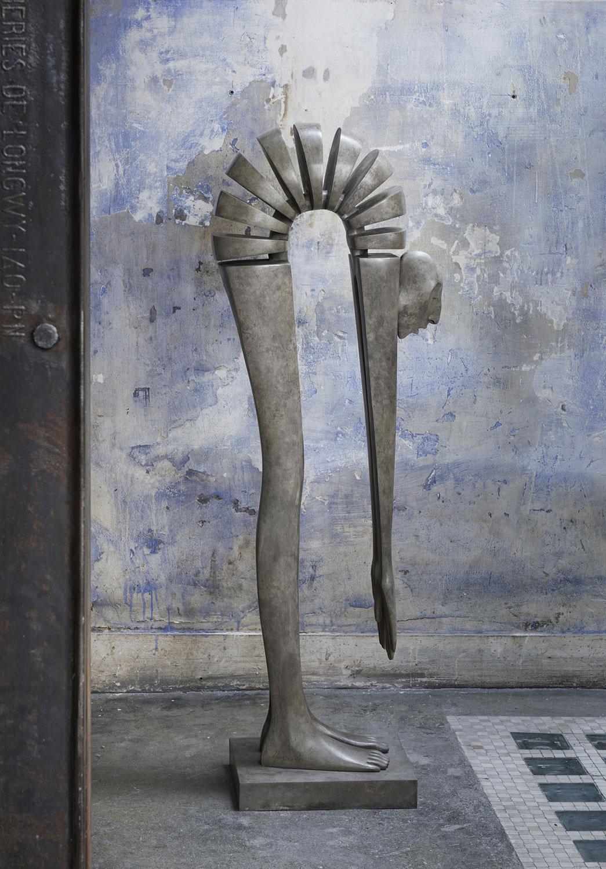 Edge of the World standing - Miramontes - sculpture - © Casart