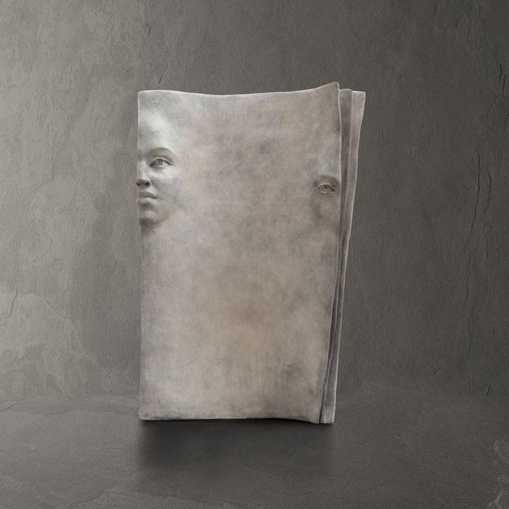 Blank page - Paola Grizi - sculpture bronze - © Casart